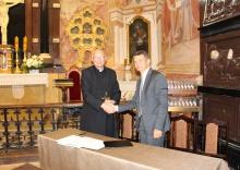Zdjęcie z galerii Umowa na Świętym Krzyżu